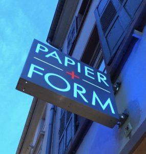 Logo der Dankstelle Papier und Form