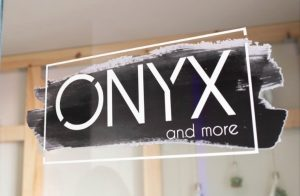 Logo der Dankstelle ONYX and more