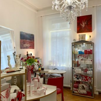Bild der Dankstelle Kosmetik Institut, Ćest Ça, Margit Rahm
